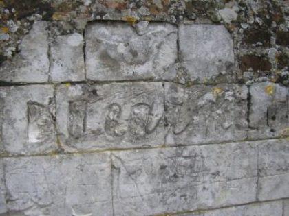 quevauvillers-chateau-mur-graffiti-ducarne
