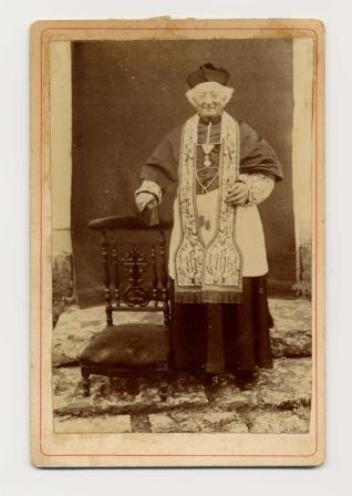 l'abbé Jumel - en habits sacerdotaux